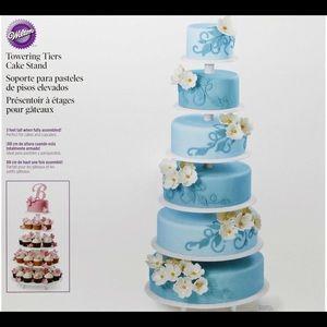 Wilton cake/cupcake stand